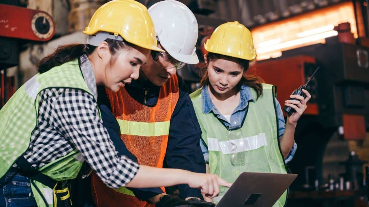 site engineers discussing
